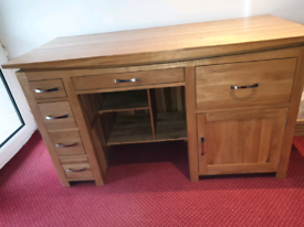 BEAUTIFUL SOLID OAK DESK WITH DRAWERS VGC RPP £560