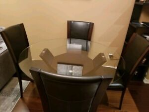 Dinning Table Perfect Condition