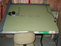 adjustable art/drawing board with Vemco V track mechanical arm