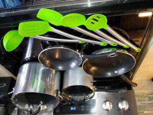 Tramontia 2 Pot & 2 pan set with silicone cooking set.