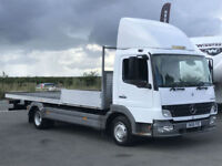 MERCEDES ATEGO 7.5T FLAT BED LORRY IN WHITE.