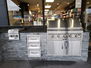 Stunning Outdoor Kitchen Display - Never used