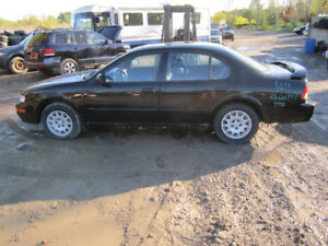 1997 Nissan Maxima ** FOR PARTS ** INSIDE & OUTSIDE***