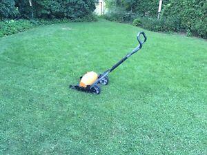 Fiskars momentum reel mower lawnmower