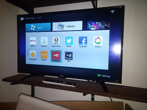 "SMART tv RCA LED 32"" HDMI (Price is Firm)"