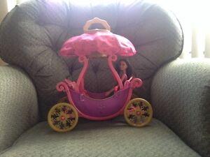 Barbie carriage/hot air balloon