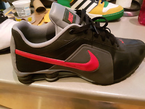 Nike shox shoes size 13