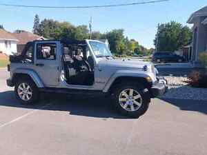 2015 jeep wrangler Sahara unlimited 19669kms