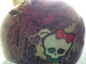 Girls youth bike Helmet. Great condition barely used.