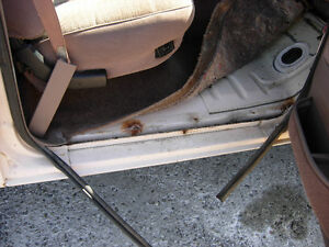 Cab from 1992 F250 - fits 87 to 97 F150 F250 F350 F450 Cambridge Kitchener Area image 4