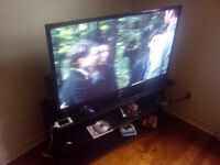 Tv 48inch rca and stand .xbox