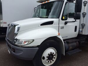 2006 INTERNATIONAL 4300 DT466