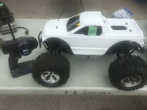 LOSI aftershock nitro RC 4X4 truck clean and sweet.