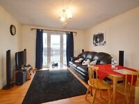 2 bedroom flat in Ringwood Gardens, Docklands E14