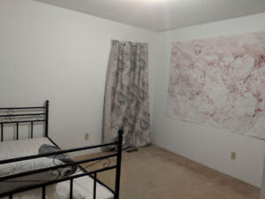 $600 - ROOM FOR RENT - FEMALE ONLY