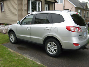 2012 Hyundai Santa Fe GL AWD IN EXCELLENT CONDITION