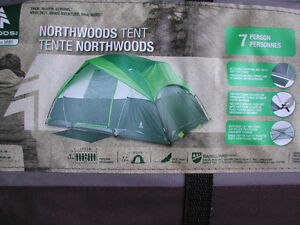 """Dome """"Woods brand"""" Tent 14 x 8 x 6.2''H Brand New in Box"""