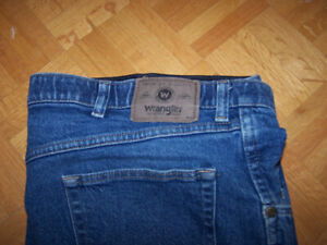 Men's WRANGLER JEANS 40 x32 - very good