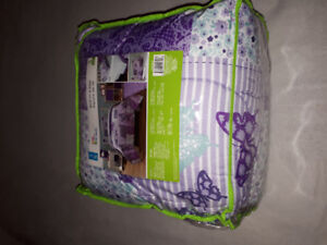 Twin girls bed in a bag