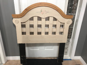Girls Wooden Lattice Design Headboard for Twin Bed