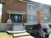 MTL WEST-- Roxton Cres.. Renovated spacious, bright upper 61/2!