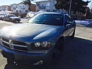 Dodge charger rt hemi v8 tout equipper cuir DVD jamais accident