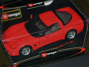 Burago 1/18 Scale 1997 Chevrolet Corvette Diecast Car Red