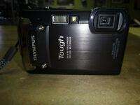 Olympus TG820 waterproof/shockproof camera