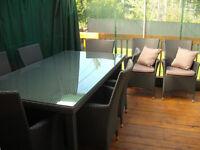 Ensemble patio neuf en rotin avec vitre 8 fauteuils et coussins
