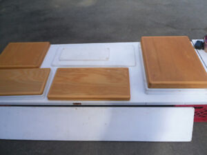 16 KITCHEN CABINET DOORS $20 FOR THE WORKS