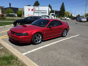Mustang supercharged 505 hp  CANDY APPLE RED