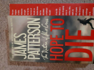 Like new! Book, Soft Cover, HOPE TO DIE by James Patterson.