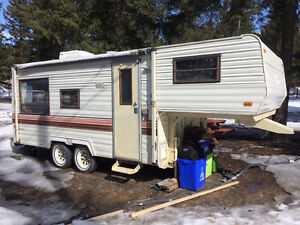 '88 Terra 5th Wheel Travel Trailer