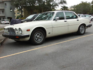 BEAUTIFUL 1986 JAGUAR XJ6 JUST WAITING FOR YOU