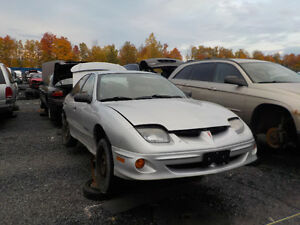 2000 Pontiac Sunfire Now Available At Kenny U-Pull Cornwall Cornwall Ontario image 1