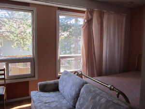 BEAUTIFUL ROOM FOR RENT close to UTM (The Collegeway/Erin Mills)