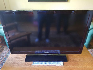 "40"" Samsung LCD Flat Screen in Excellent Condition"