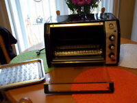 CONVECTION BLACK AND DECKER TOASTER OVEN