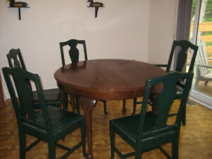 Table and chairs for quick sale