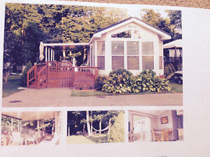 Lovely well cared for cottage home, rare 3 bedrooms !!!!