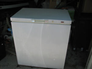 Apartment Size   Buy or Sell a Freezer in Ontario   Kijiji Classifieds