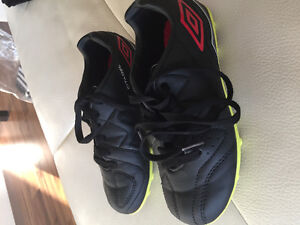 Boys Soccer Shoes Size 13