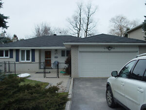 Gorgeous 3 bedroom bungalow upper level rental