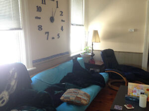Students looking for 1 roommate (preferably female!) - Lakefield Peterborough Peterborough Area image 7