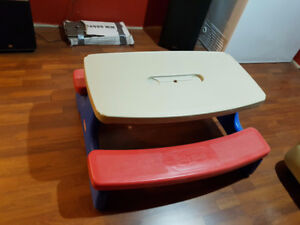 TABLE LITTLE TIKES GROS MODELES