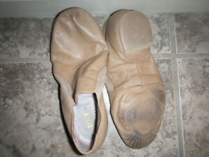 Size 7 girls Bloch beige jazz dance shoes