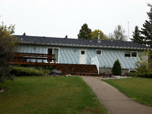 Acreage House for Rent Leduc County
