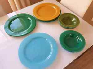 Set of 8 Maxwell & Williams glass designer plates and bowls