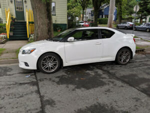 2013 Scion tC Coupe (2 door)