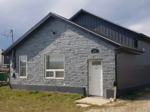 Warehouse for rent in Martensville